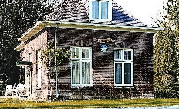h6r2-b31 Valkenburgerweg - Koetshuis bij villa Eikholt