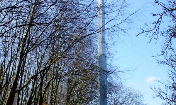 h6r2-b42 Valkenburgerweg - Obelisk achter Sintermeerten - Arie Berkulin