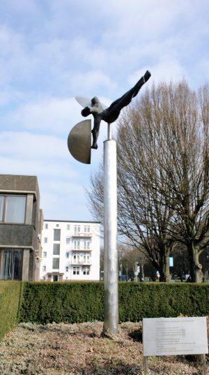 h6r2-g12 Spoorsingel - Ikarus-Dick van Wijk-1980-Spoorsingel