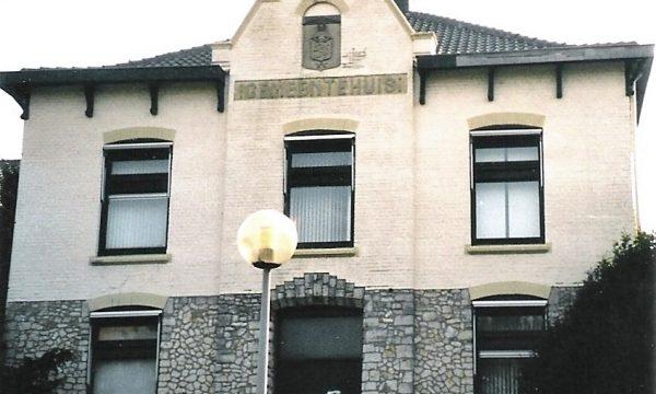 h6r7-e05 Mgr. Nolensstraat - Burg. Kessenplein - Voorm. gemeentehuis