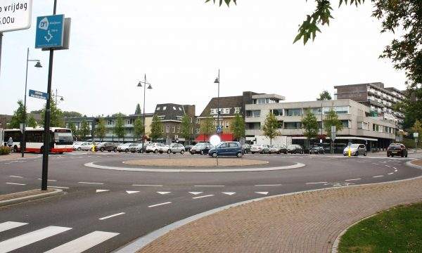 h6r7-i14 Marktplein 2016