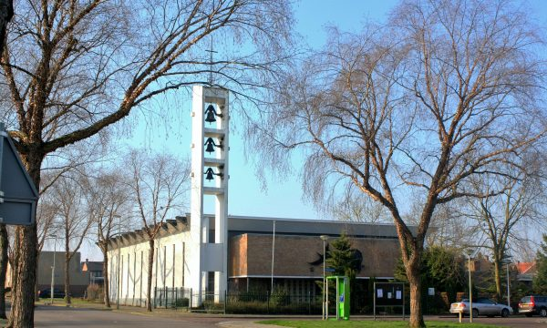 h6r7-k01 Pius XII-plein - Christus Koningkerk - Nieuw Lotbroek