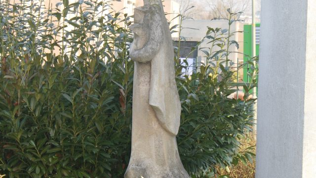 h6r7-k03 Pius XII-plein - Nieuw Lotbroek