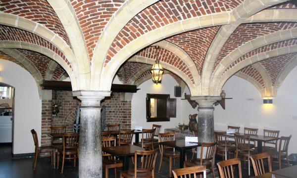 h6r7-r02 Klinkerstraat - Interieur Kasteel Hoensbroek