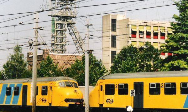 h6r2-a01 Parallelweg Schacht ON 1 en spoor