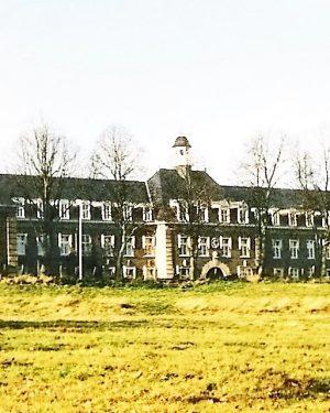 R3a15a-Zandweg - De oorspronkelijke Vroedvrouwenschool - Nu Parc Imstenrade-J.Stuyt-1920-1930