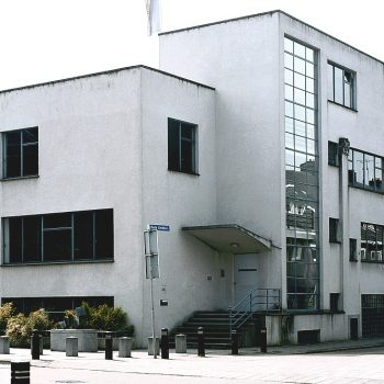 R3a9a- Kruisstraat Hoek Oude Lindenstraat - Huis Op de Linde- F. Peuts - 1931
