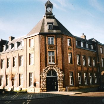 R5a10- Heulsstraat Voorm. politiebureau