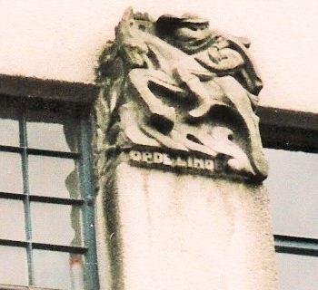 bkr3-b05 Kruisstraat - hoek Oude Lindenstraat - De Bokkenrijder-Charles Vos