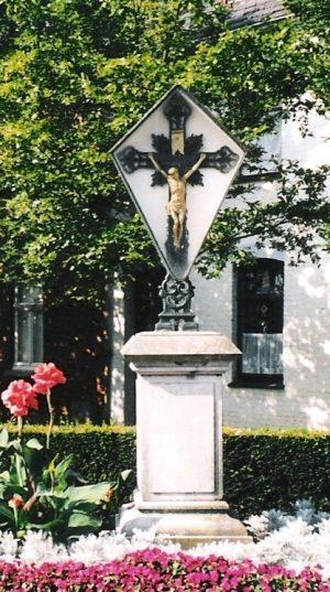 bkr3-b07 Kruisstraat - Kruis met Duitse tekst