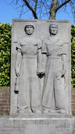 bkr5-h01 Kampstraat - Grafmonument- Sonja Sondeijcker-1949
