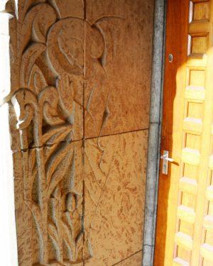 bkr5-k08 Beersdalweg - Kerkportaal met St Antonius-Charles Vos