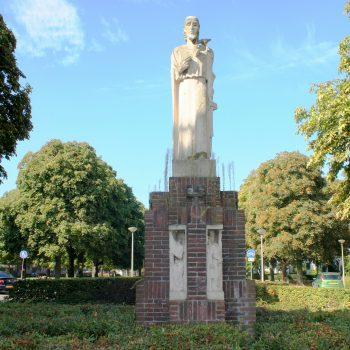 bkr7-f02 Pius XII plein H. Hartbeeld-Sjef Eijmael- Nieuw Lotbroek