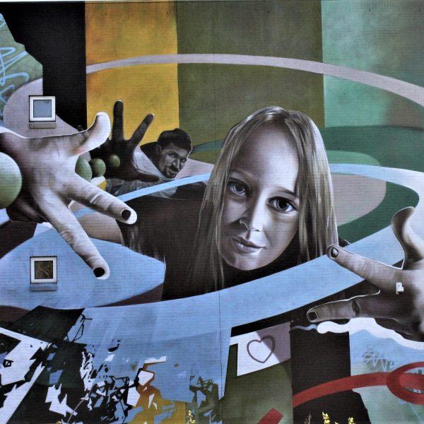 bkr2-a19a Valkenburgerweg- Muurschildering van James Jetlag op muur van Sintermeerten.
