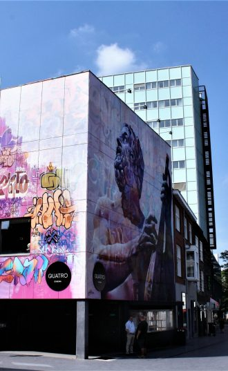 h6r1-v05a muurschildering-Pichi en Avo(Sp)